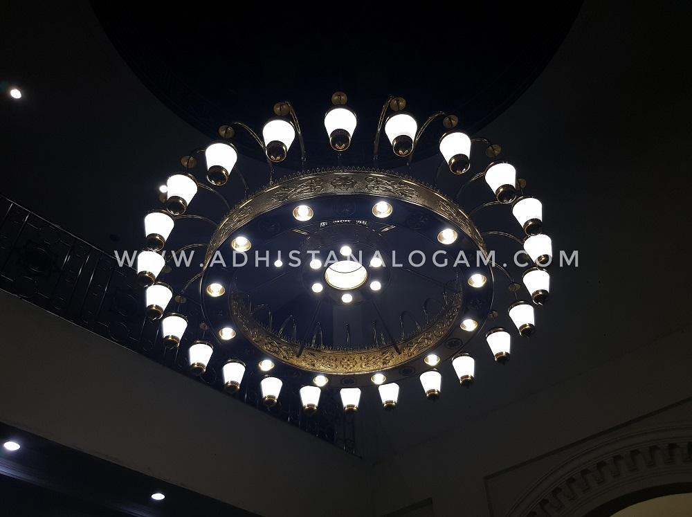 Pengrajin Lampu Masjid Nabawi